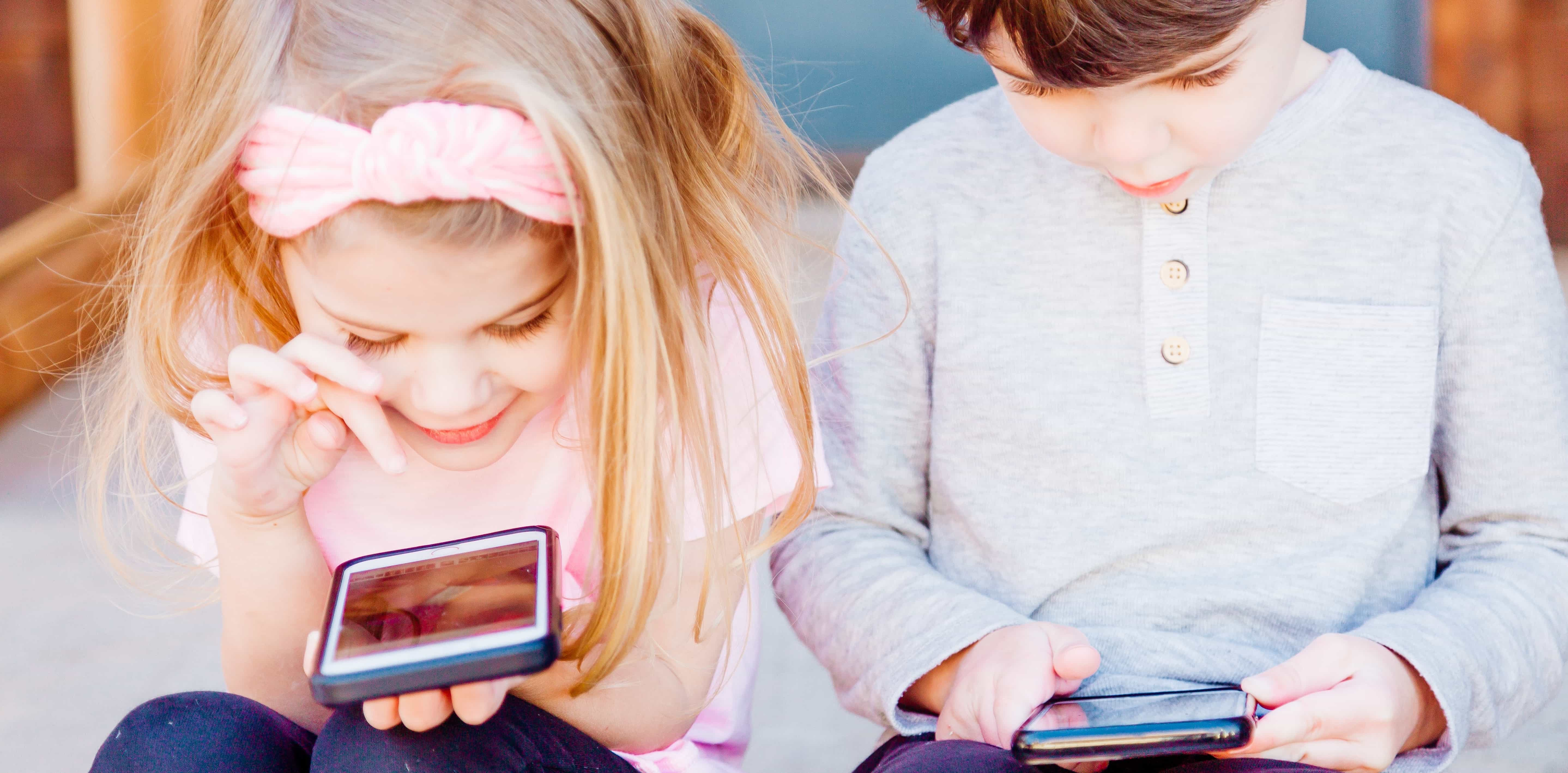 Kids use apps